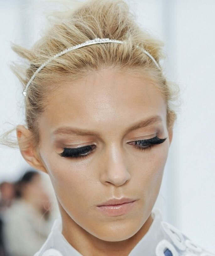 Look Louis Vitton - Ciglia finte per una delle più grandi tendenze 2012. Foto: Louis Vuitton