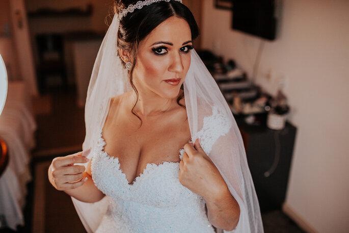 Acessório cabelo noiva: Atelier Carmelita - Foto: Cleidimar Lopes