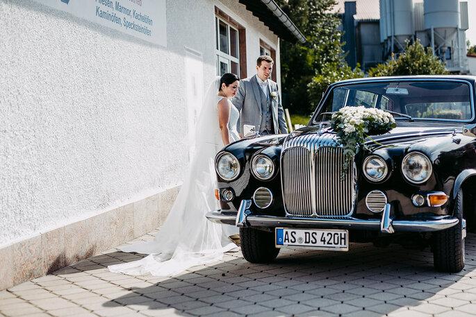 Das Hochzeitsauto von innen, Foto von Hüttner Fotografie.