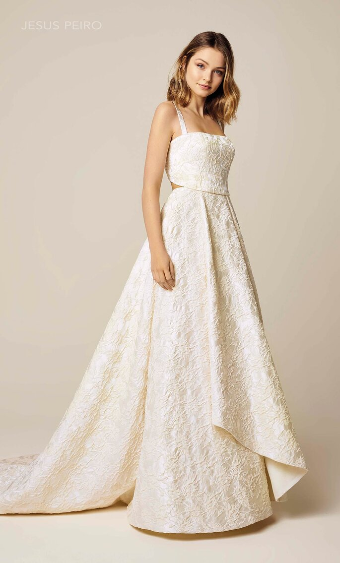 Vestidos de novia escote cuadrado con cut out en cintura