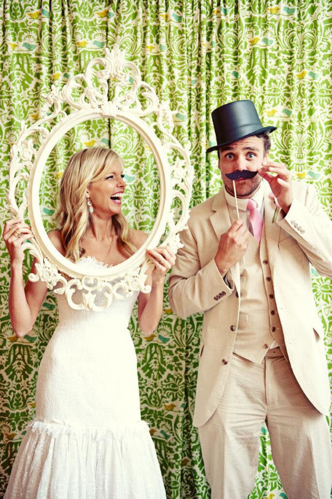 5 ideas divertidas para hacer el photocall de tu boda. Foto-Jess + Nate Studios