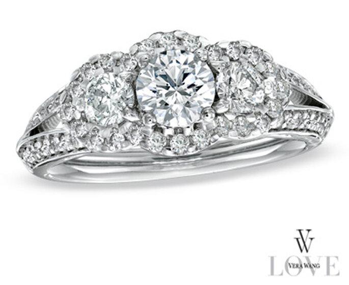 Anillo de compromiso elegante lleno de diamantes