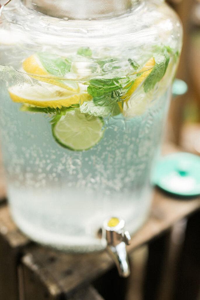bebida de casamento: água fria com frutas