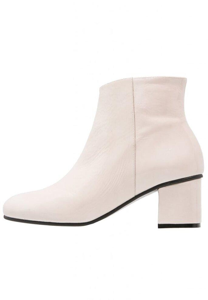 Élysèss Ankle boot - white https://www.zalando.pl/elysess-ankle-boot-white-e0a11n003-a11.html