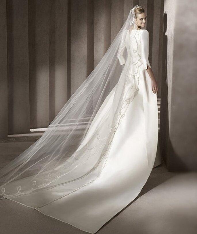 Vestido de novia cauda larga. Pronovias 2012