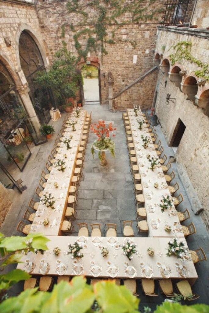 Mesas en forma de U o herradura para tu boda - Foto Marisa Holmes
