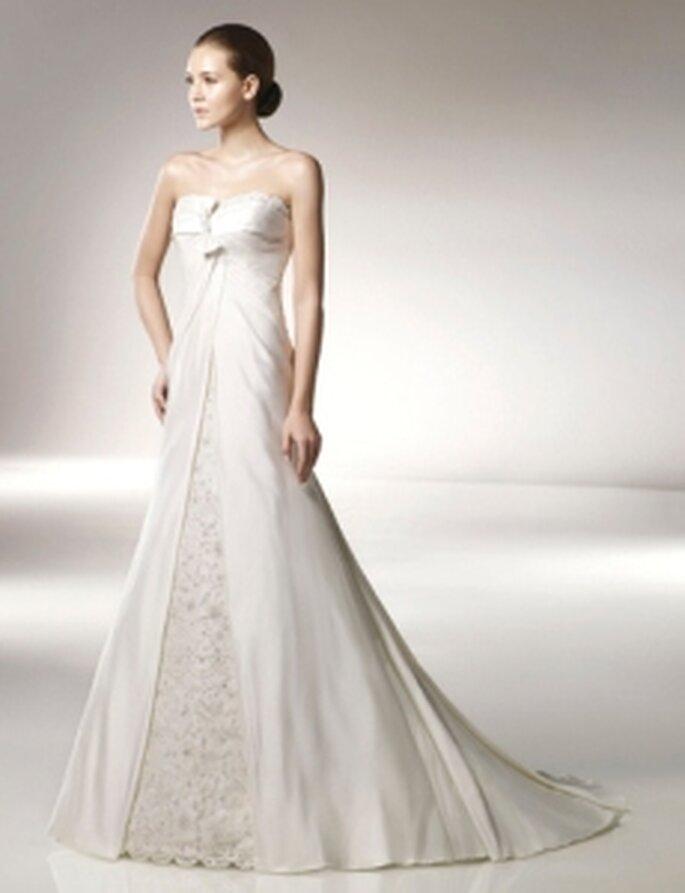 Anjolique 2010 - Vestido largo en seda y tafetán, corte princesa, palabra de honor