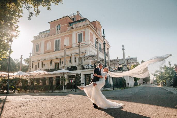 Casina Valadier - facciata della villa con sposi