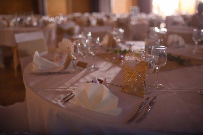 Zineo Events - une belle salle de réception élégamment agencée par Zineo Events