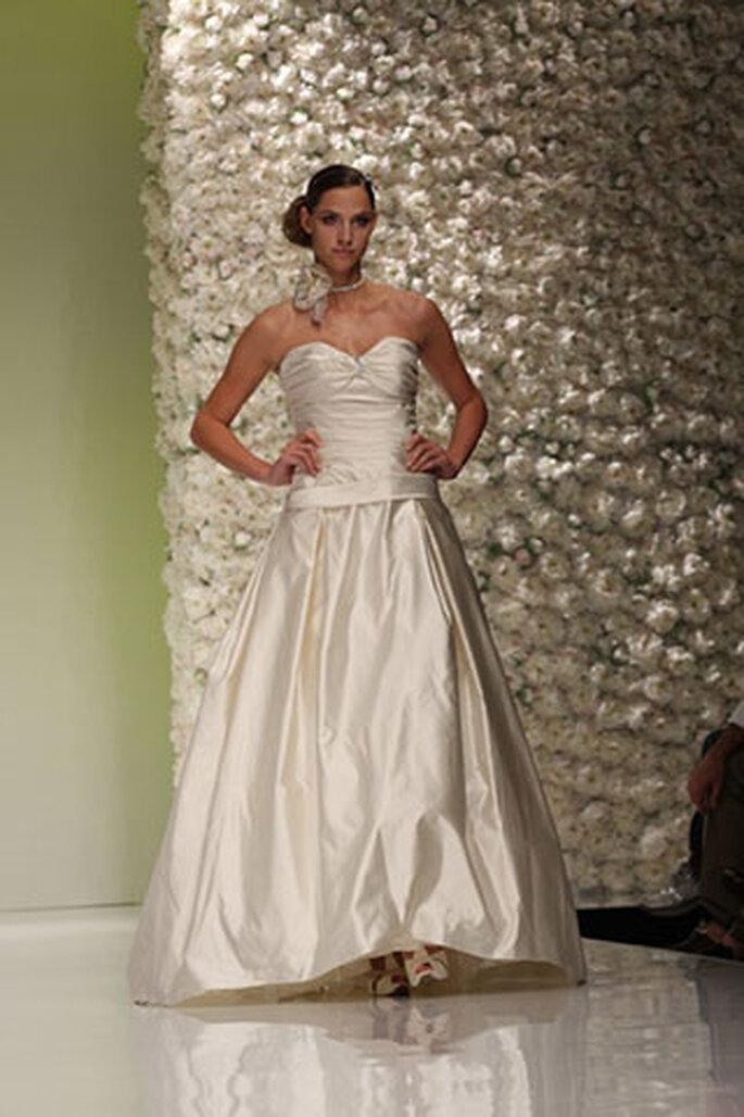 1b2f298e07db Vestiti da sposa Dalin e Vinní 2011