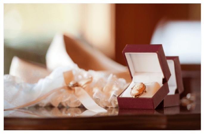 Las joyas de la abuela perfecta para tu boda - Foto Mark Dickinson Photography