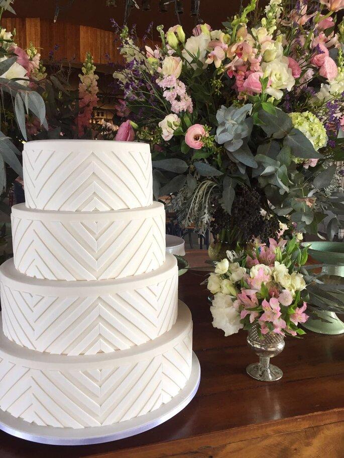 bolo de noiva branco