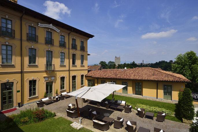 Villa Appiani - Corte esterna