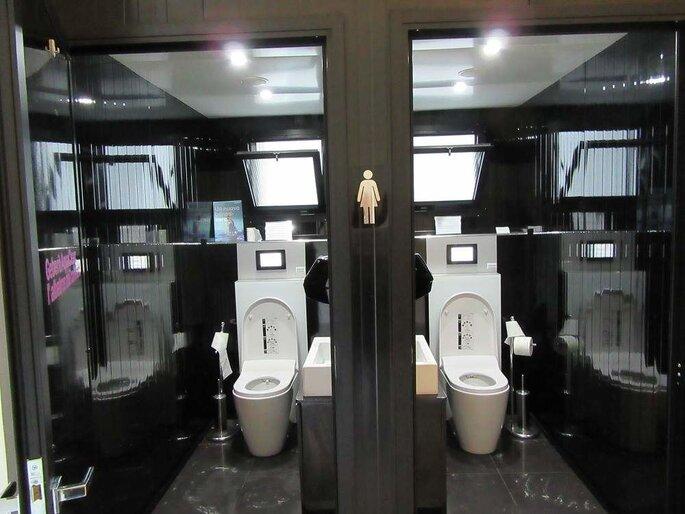 Fashion Toilet