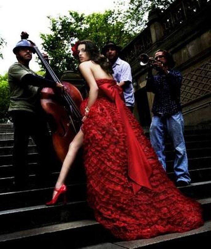 Vestido de Noiva Vermelho de Reem Acra