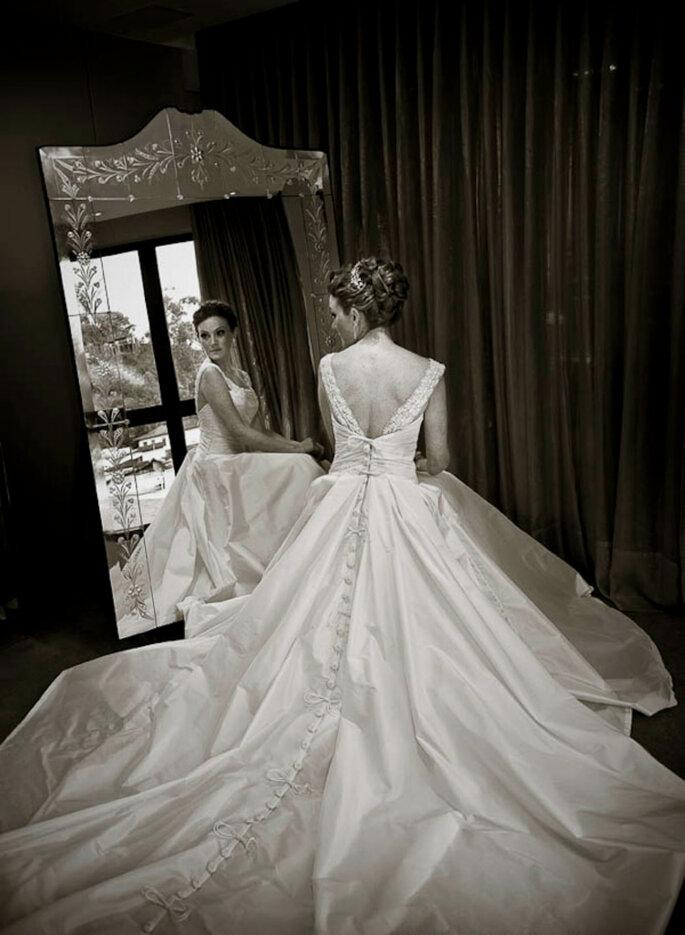 Vestido de noiva em tafetá de seda