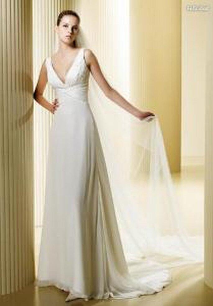 La Sposa 2009 - Felicidad, vestido largo corte imperio, en tela vaporosa, escote en V
