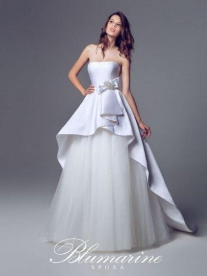 Sukienka ślubna z baskinką