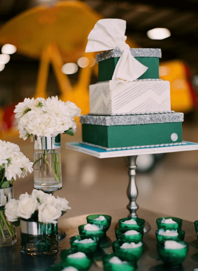 Decoración de boda en color verde esmeralda - Foto Justin De Mutiis