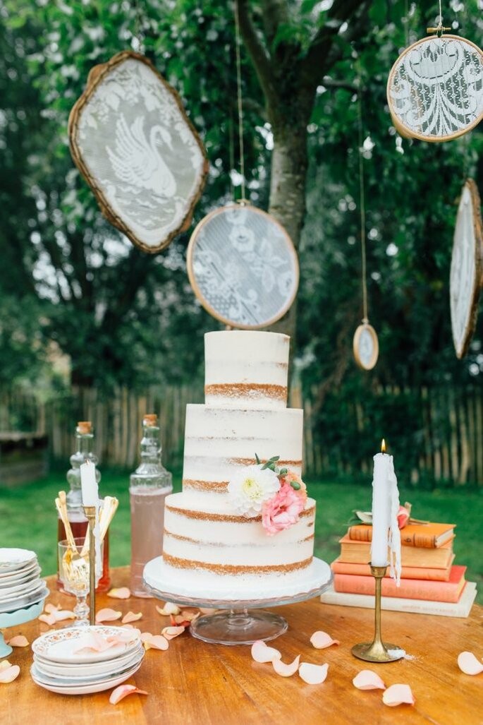 Styling: MUCH LOVE Styling - Bloemen: Bloom your life - Taart: Sugarlips Cakes - Fotografie: Vier de liefde Fotografie