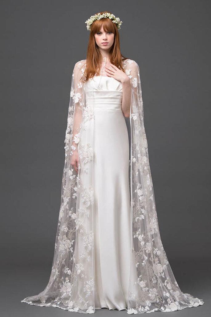 Vestido de novia 2015 con capa de bordados de flores y transparencias - Foto Alberta Ferretti