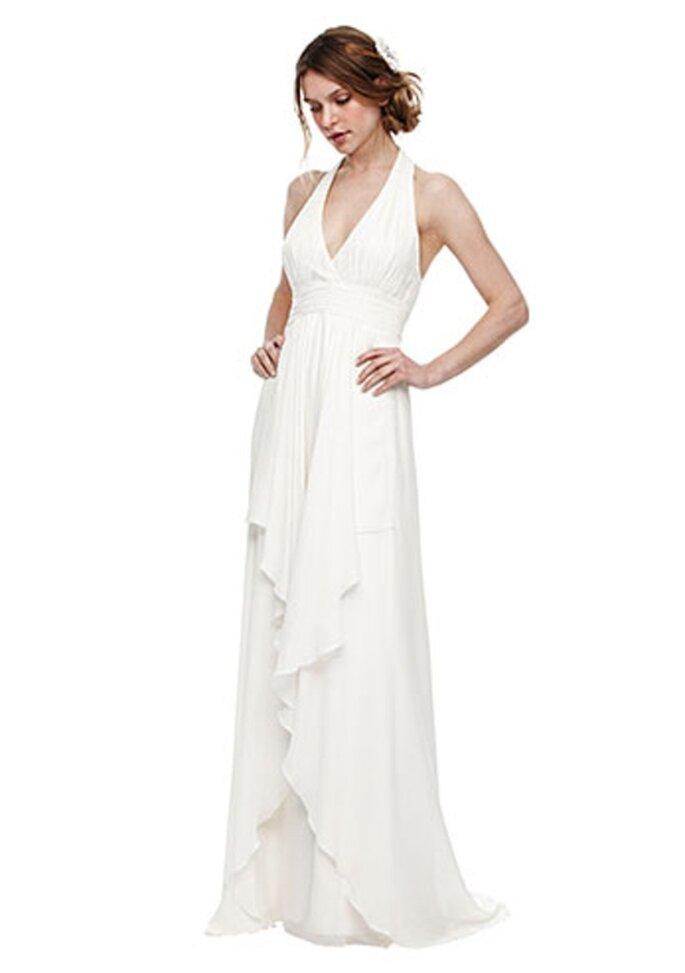 Vestido de novia estilo halter con flecos enfrente - Foto Nicole Miller