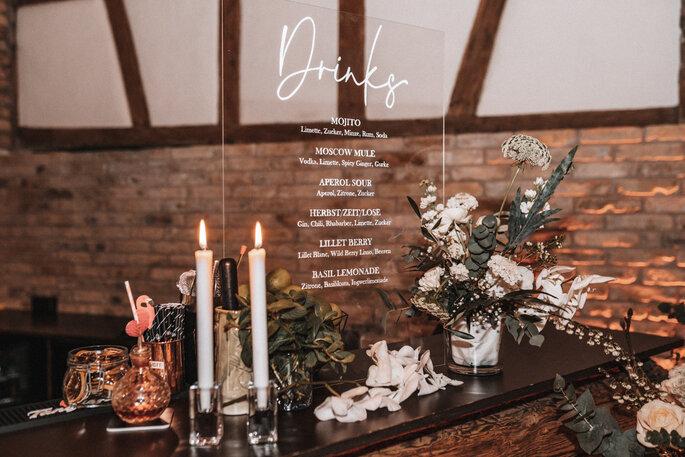 Intime Hochzeit, Eleganz trifft auf rustikalen Flair Drinks Bar