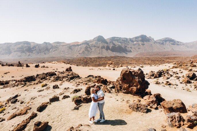 paar in der wüste