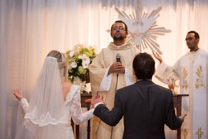 Padre Yuri Cruz.