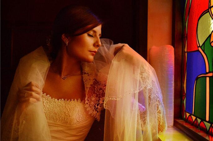 Encantadora imagen de la novia en la sesión preboda. Foto: Juya Phographer