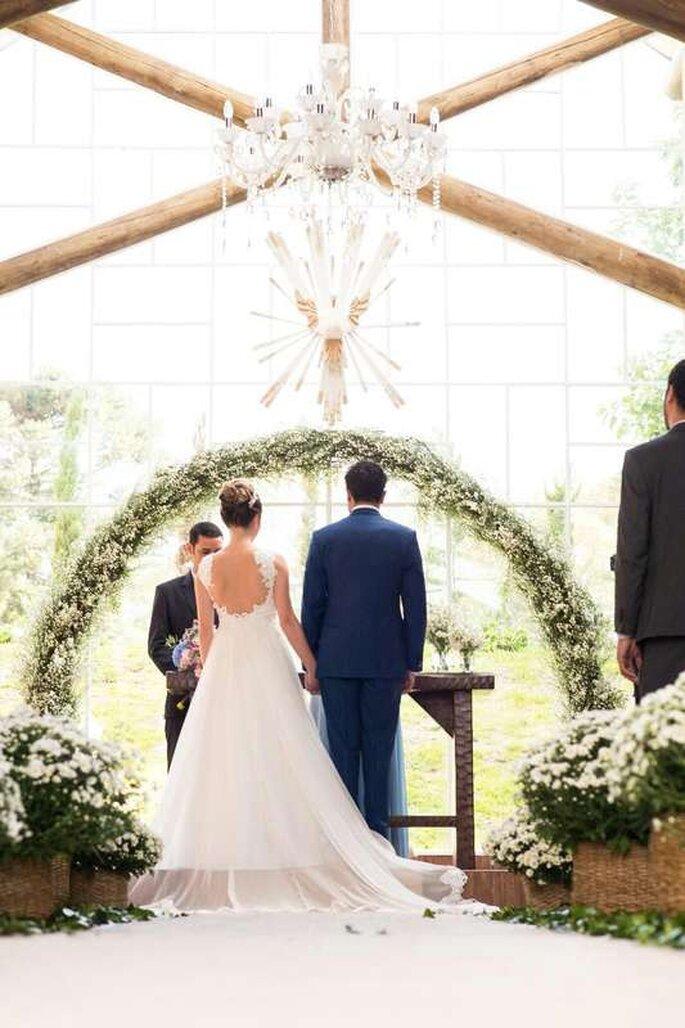 Cerimônia com flores brancas