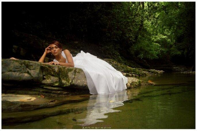 Novia en sesion trash the dress en Veracruz - Foto Emmanuel Aquino