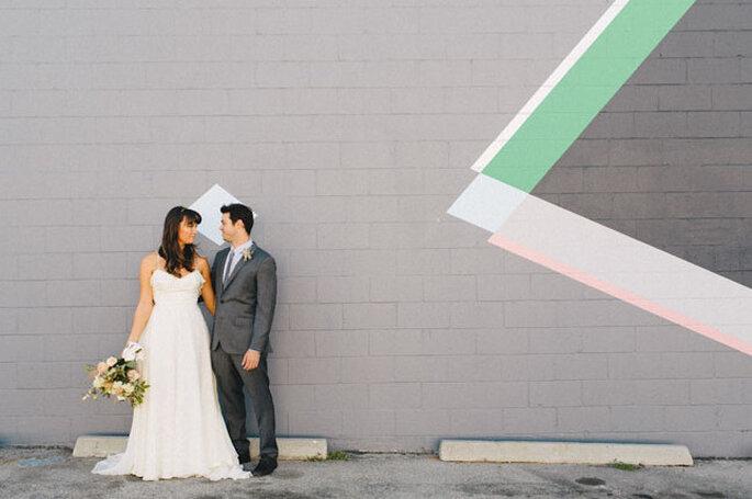 Decoración de boda con diseños geométricos. Foto: sweetlittlephotographs.com vía Green Wedding Shoes