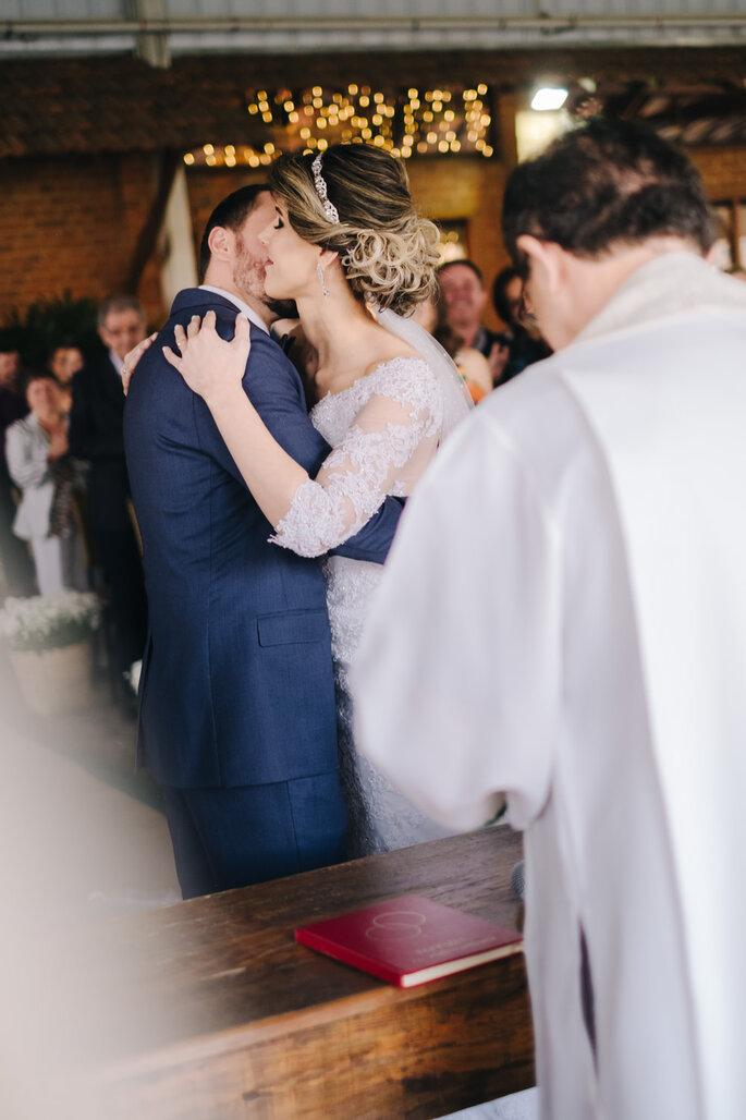 abraco noivos