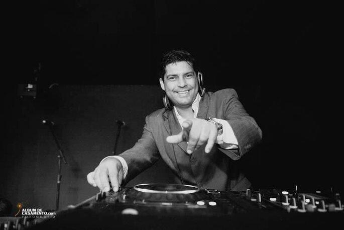 DJ Maurício Lobato