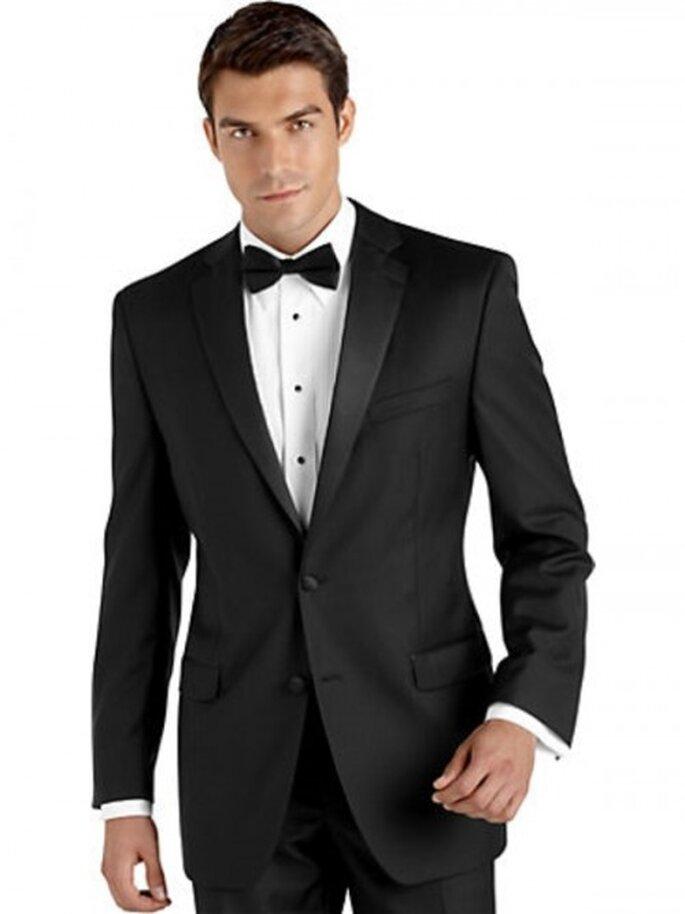 Tuxedo Calvin Klein para novio, $599.99USD
