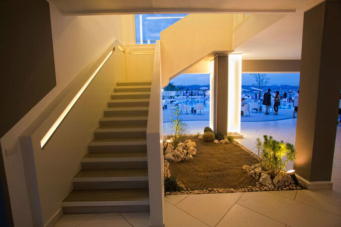 Kora Events - interno della location con scale