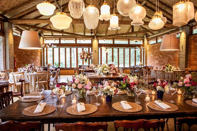 Decoração mesa dos noivos