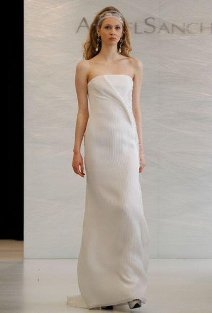Schlichte Eleganz – Brautkleider von Angel Sanchez – Foto: Angel Sanchez