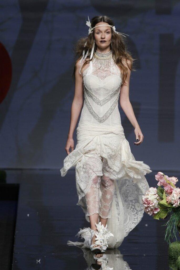 La nueva colección de vestidos de novia Yolan Cris 2012 tiene propuestas para cualquier tipo de boda y de novia - Ugo Camera / Barcelona Bridal Week