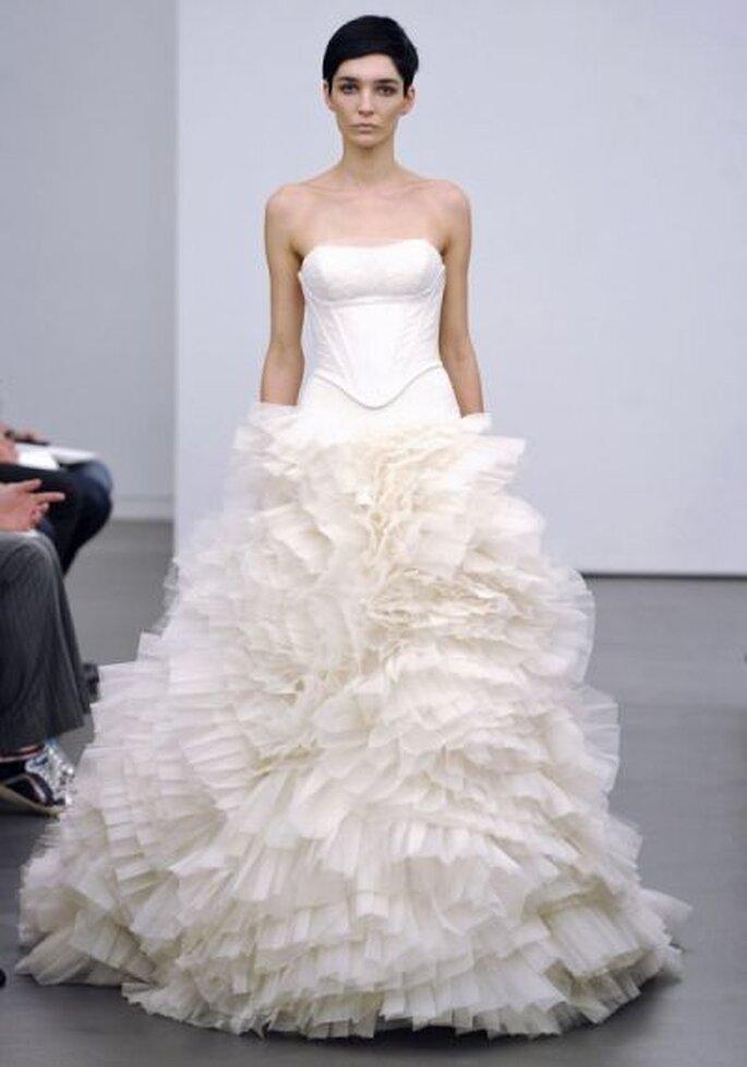 58adcb14d28 Brautkleider Kollektion Herbst-Winter 2013 von Vera Wang von Jana