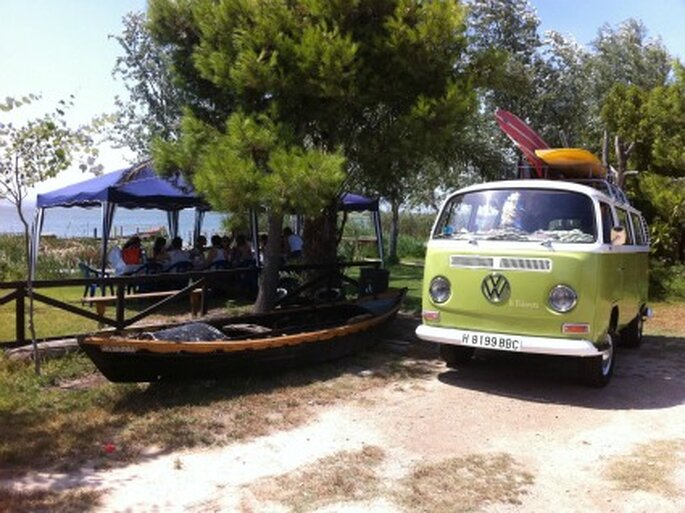 Despedida de soltera con la VW surfera La Poderosa - Vinatge Tours