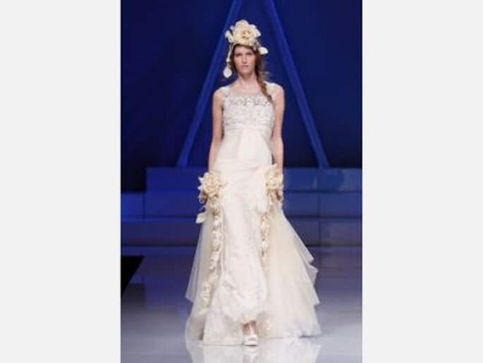 www.yolancris.es Foto: © Ugo Camera, Barcelona Bridal Week
