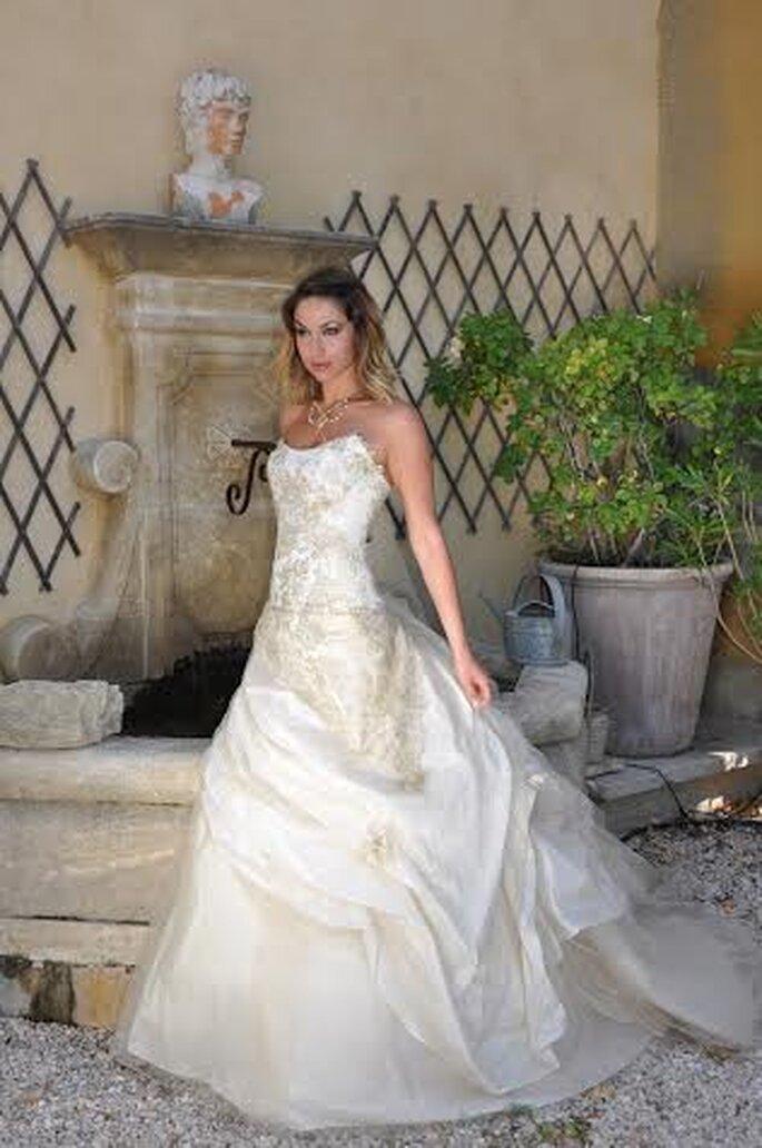 Mariées romantiques, modernes et classiques vont trouver leur bonheur à la boutique Les Mariées de Provence !