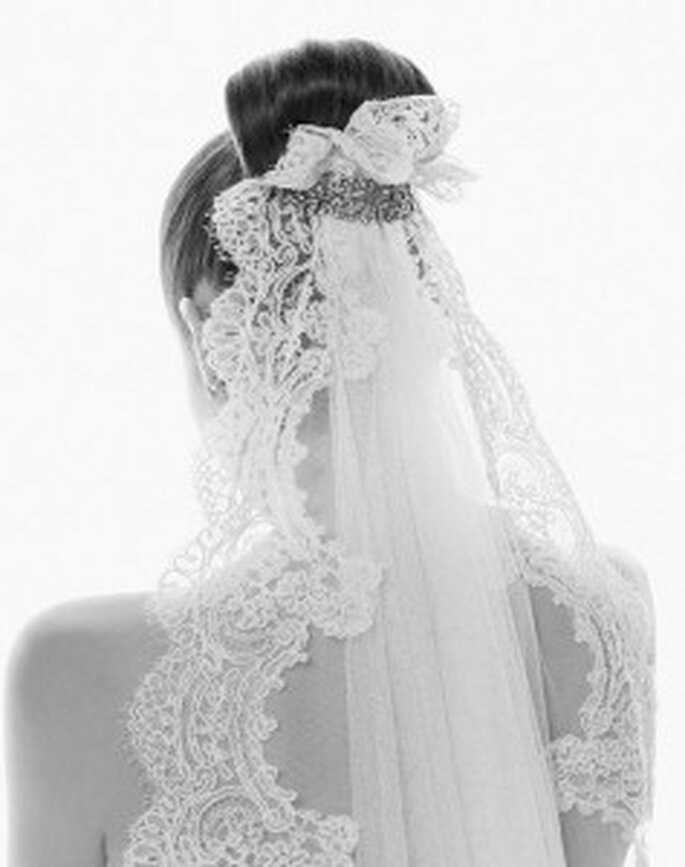 Trend Hochsteckfrisur 2011 für die Braut - mit Schleier