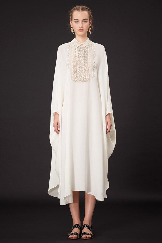 Vestido de fiesta 2015 estilo capa en color blanco con acabado asimétrico - Foto Valentino
