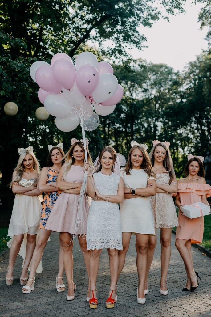 Braut mit Brautjungfern Junggesellinnenabschied