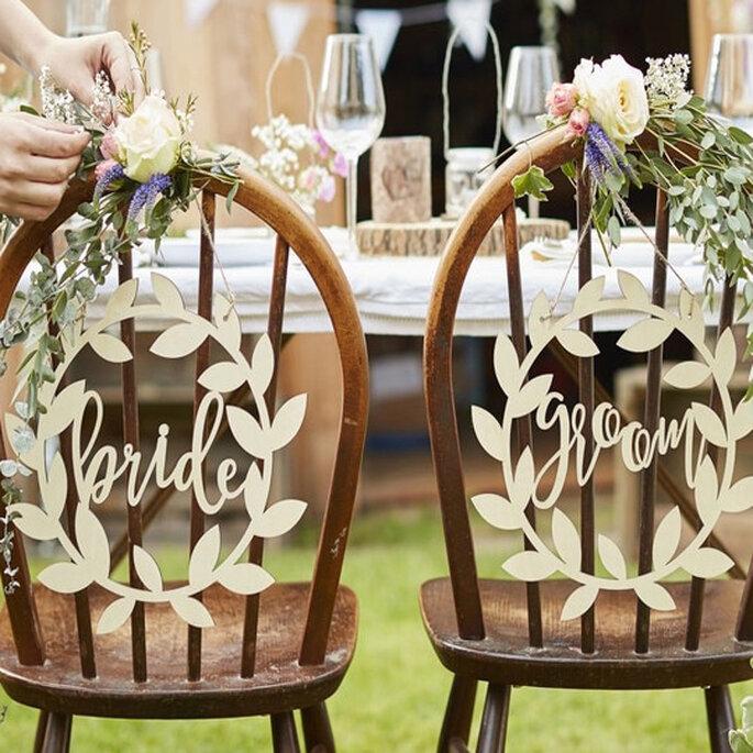 Sillas de madera para decoración de bodas rústicas