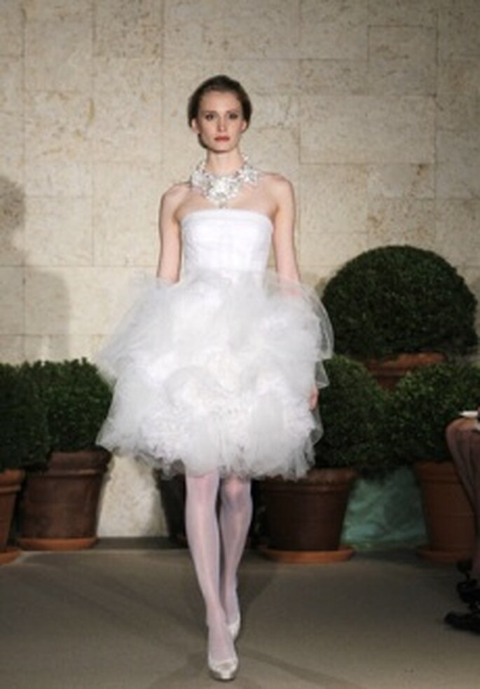 Vestido de Noiva Curto Oscar de la Renta 2011