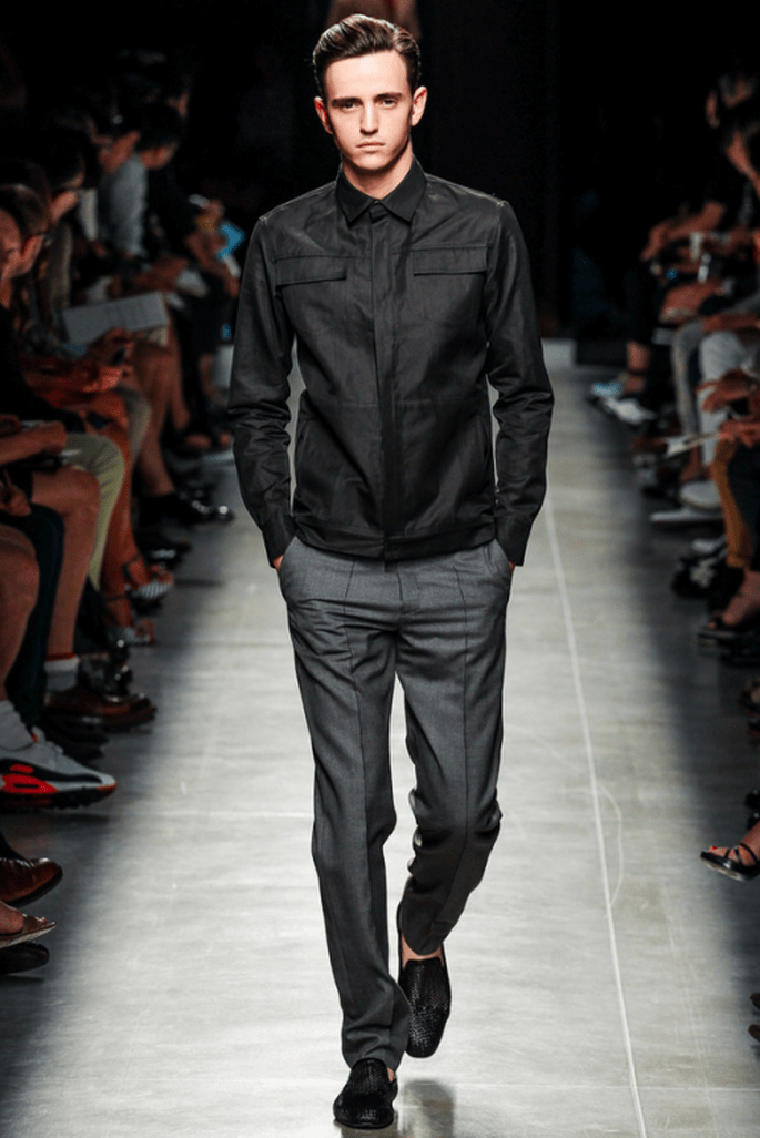 Traje para novio 2014 con chaqueta casual en color negro a juego - Foto Bottega VenetaTraje para novio 2014 con chaqueta casual en color negro a juego - Foto Bottega Veneta